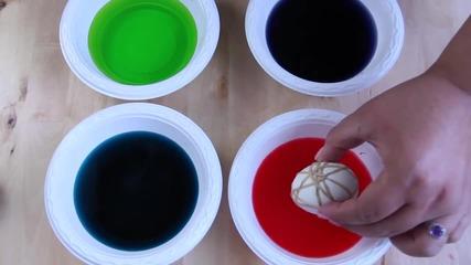 За Великден: Шарени яйца с декорация от ластици