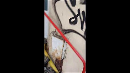 """От """"Моята новина"""": Необезопасен електрически стълб"""