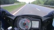suzuki gsx-r 1000 srad a 299 km h