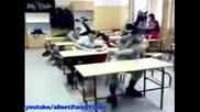 Автобус в училище (смях)
