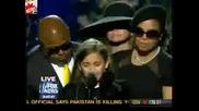 Дъщерята на Майкъл Джексън се разплаква на сцената за последно сбогом с баща си