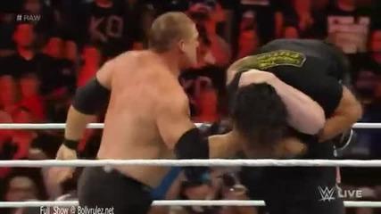 Както винаги 4 срещу 1 Кейн Ролинс и охраната му срещу Броккк Леснар
