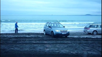 Subaru Forester 2.0 on the sand