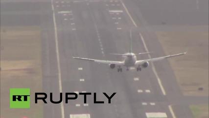 Силен вятър пречи на самолет да кацне в Португалия