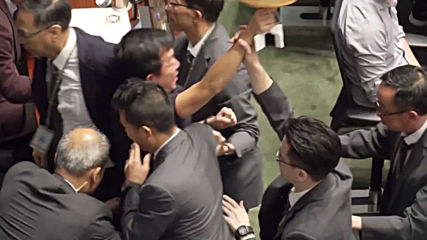 Hong Kong: Legislative Council session adjourned after Lam heckled by opposition lawmakers