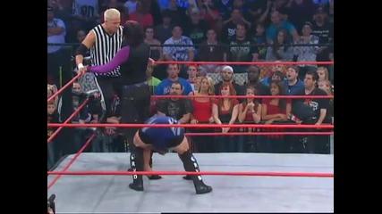 Jeff Hardy запазва титлата и става напечено