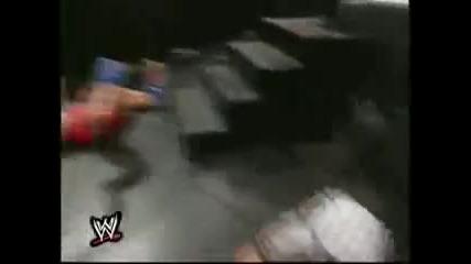 Кралски Грохот 2001: Кърт Енгъл срещу Хиксовете за Титлата на Федерацията в мач без дисквалификации.