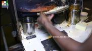 Бърза Храна на улицата в Мумбай - Noodles Frankey