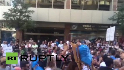 Lebanon: Protesters angry as 20,000 tonnes of rubbish fill Beirut's streets