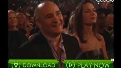 2о11 • Джъстин Бийбър спечели награда за най-добър изпълнител