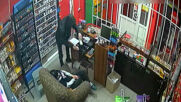 Russia: Opportunistic thief robs shop under sleeping cashier's nose in Kirov
