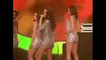 Rihanna Shake It Well