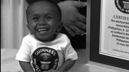 Най - малкия човек в света ! - Рекорд на Гинес