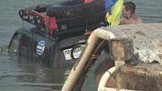 Руснаци потопиха джип 4x4 на офроуд