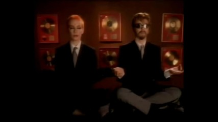Eurythmics - Sweet Dreams (1983)