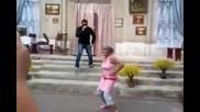 Бабичка танцува на юбилей! смях