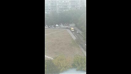 """От """"Моята новина"""": Тече вода от асфалта"""