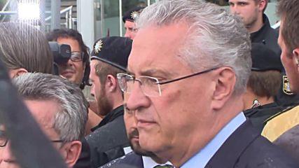 Germany: De Maiziere visits site of Munich shootings