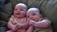 Най - Добрия Бебешки Смях ... Компилация 2013