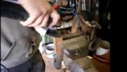 Процес на ръчна изработка на страхотен нож от стари авто ресьори!