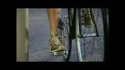 защоли карат колело жените ?