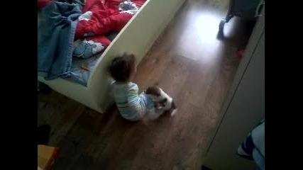 djak rusel igrae s bebe