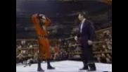 Гробаря носи маската на Кейн !!