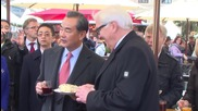 Germany: Steinmeier and Chinese FM Wang Yi take festive stroll around Berlin Christmas market