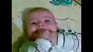 бебенце се смее 2