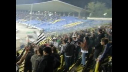 подкрепа при загуба с 2:0 от Левски