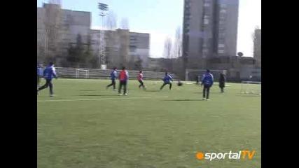 Левски Тренира На Изкуственото 18.02.08