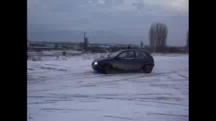 Кола В Снега