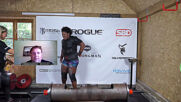 UK: Strongwoman Andrea Thompson sets new world record with 135kg log lift