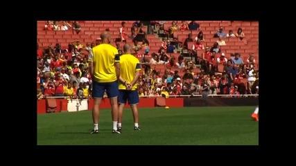 Арсенал тренира пред фенове преди Къмюнити Шийлд