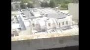 мятане на разни гадости от покрива на блока ми