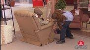 Шега със старче което пада от фотьойл - скрита камера