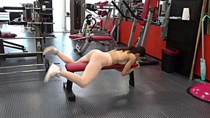 Задна екстензия с два крака на лежанка - Биляна Цанкова