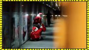 Дядо Коледа подарява бомби! Велика коледна шега