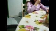 граци яде лимон