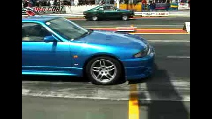 Nissan Skyline Gt - R33 Vs. Ford Mustang