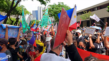 Philippines: Protesters hold Independence Day rally outside Chinese consulate