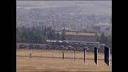 Турция продължава да струпва войски по границата със Сирия