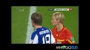 Футболист опипва реферкта - Смях