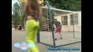 Голи И Смешни - Мацка Играе Футбол