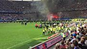 Мега ексцесии в края на мача на Хамбургер с Борусия Мьонхенгладбах след изпадането от Бундеслигата