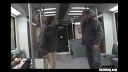Хулиган в метрото си го получи