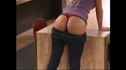 Секси игра с готино момиче