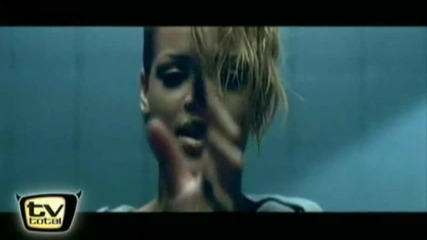 Video Preview) Rihanna - Russian Roulette