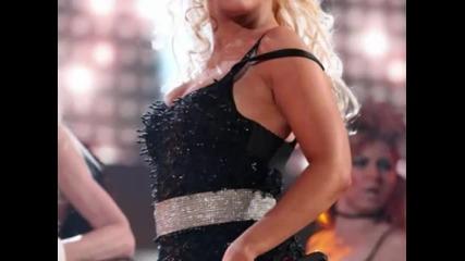 Christina Aguilera ще става мъж