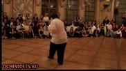Публиката не очакваше толкова подвижен рокендрол танцьор !